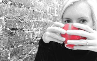 Можно ли при месячных пить кофе?
