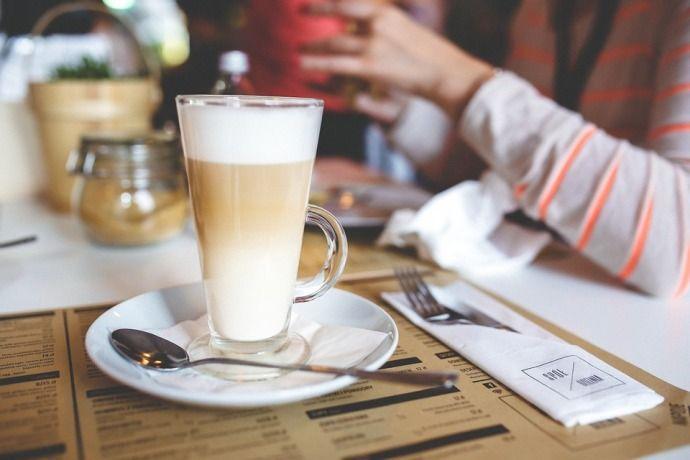 бокал кофе макиато