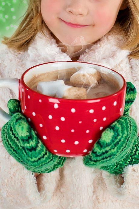большая чашка кофе с маршмеллоу