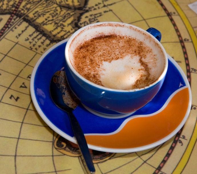 чашка кофе карта мира