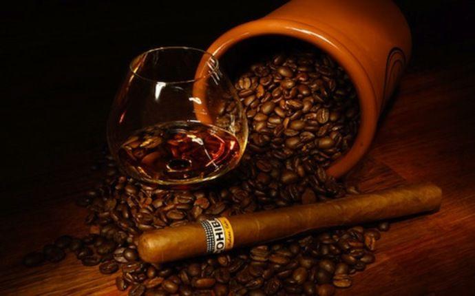 кофе, самогон, сигара