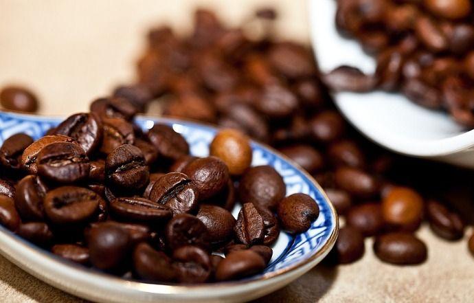 кофейные зерна после обжарки