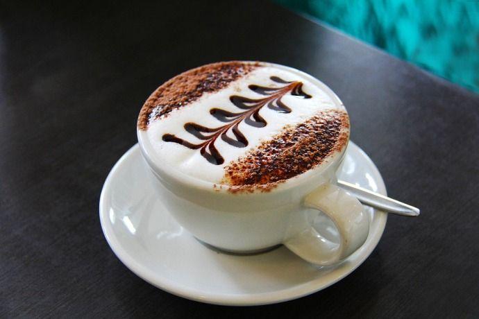 Кофе флэт вайт с топпингом
