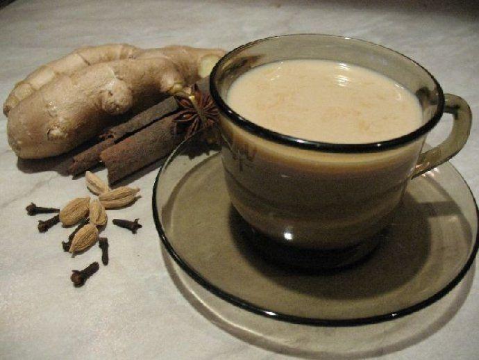 кофе с молоком, имбирем и специями