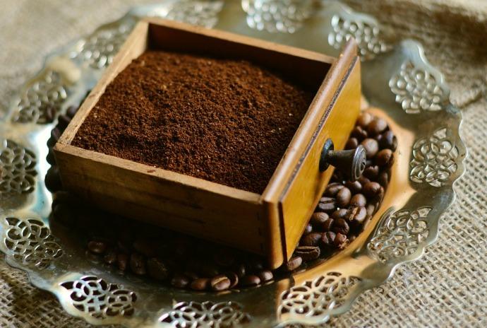 молотый кофе и кофе в зернах