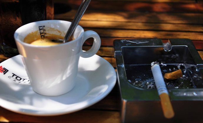 кофе с сигаретами