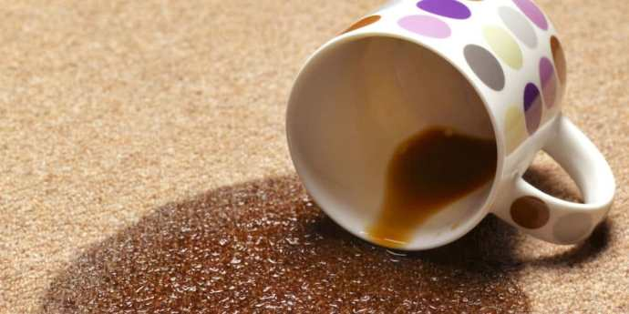 свежее пятно кофе